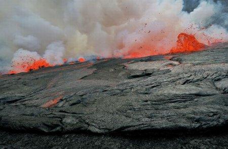 Жерло вулкана Nyiragongo в Африке [11 фото]