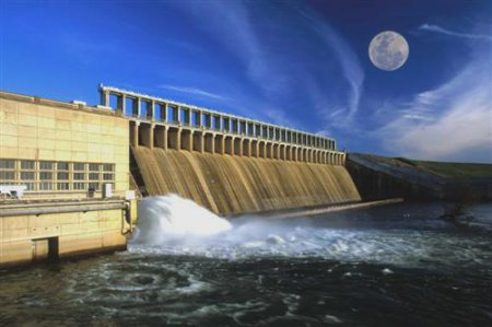 В водохранилище спустили всю воду из-за того что человек помочился в него