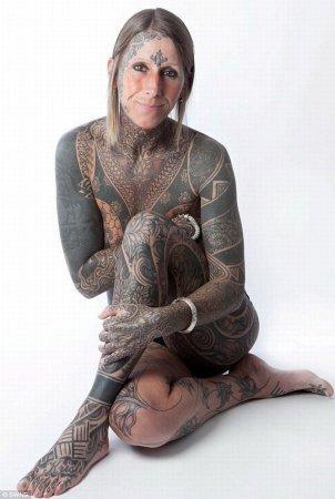 41-летняя женщина покрыла свое тело татуировками на 80% [4 фото]