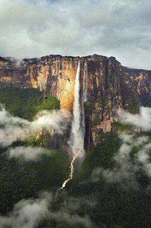 Самый высокий водопад в мире [7 фото]